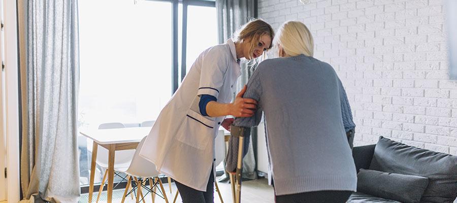 ventajas contratar cuidadora